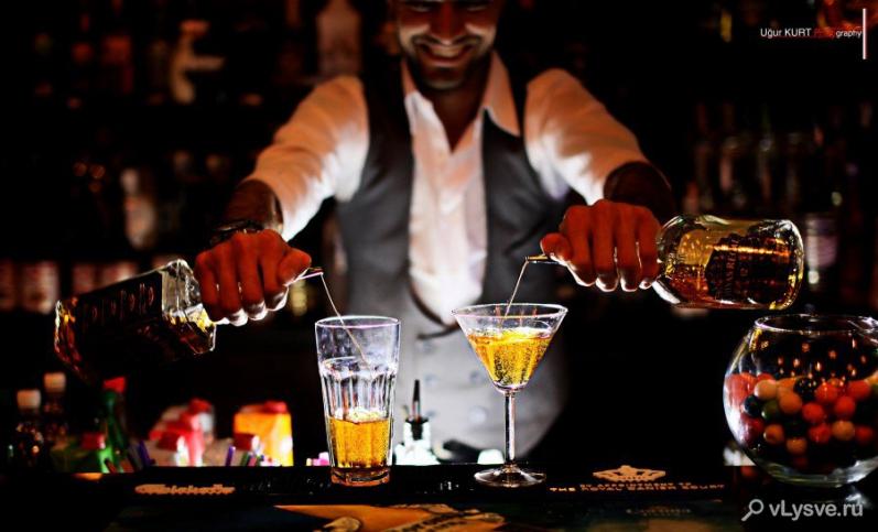 Самый известный бармен мира на данный момент